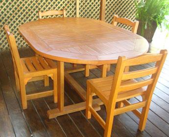 Ecomadera madera construccion muebles casas juegos for Comedor ovalado extensible